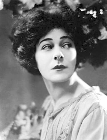 1921: Alla Nazimova