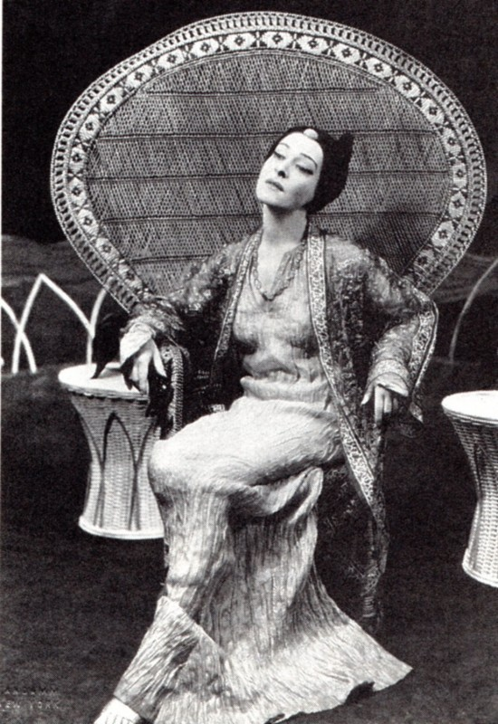 "Alla Nazimova as the Eurasian Mahlee in ""The Red Lantern"