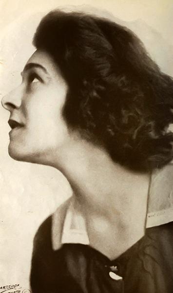 Alla Nazimova in profile (undated)