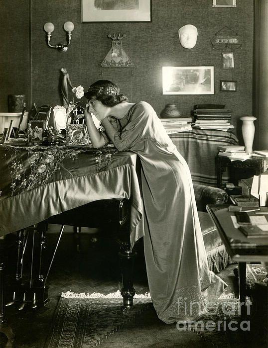 Alla Nazimova, probably in New York City. Photographer- Helen D. Van Eaton