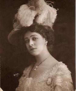 Photographic portraits of Alla Nazimova by Hallor