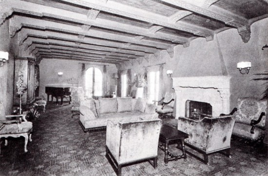 The living room at the Garden of Alla