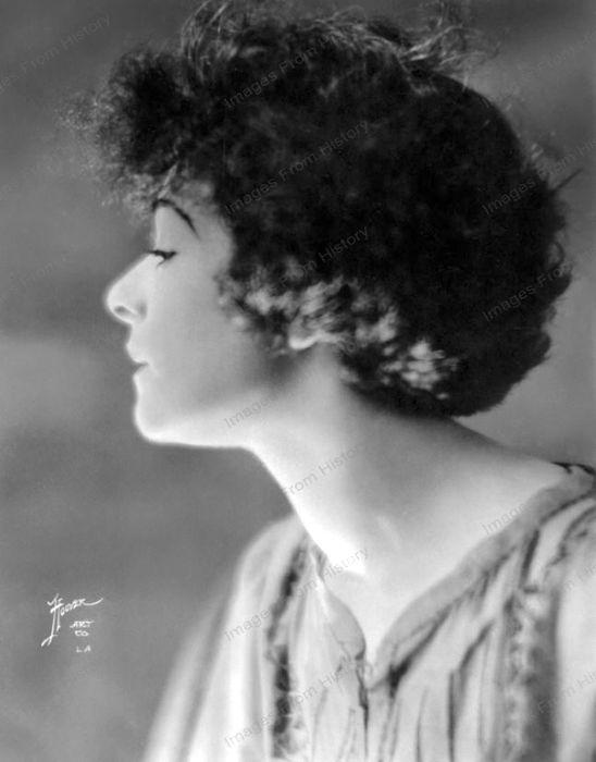 Undated profile portrait of Alla Nazimova