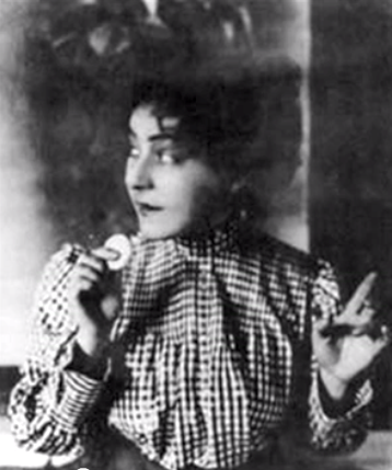 Alla Nazimova with cookie