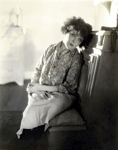 Alla Nazimova leaning