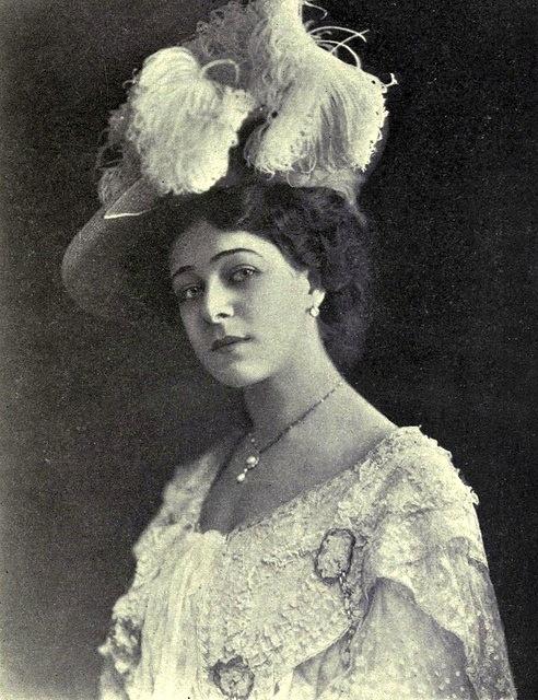 1907: Alla Nazimova portrait, by Captain Geoffrey Spaulding