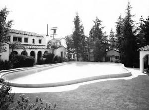 Garden of Allah Hotel pool