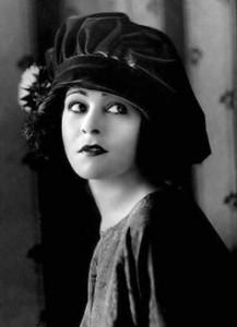 Alla Nazimova in hat
