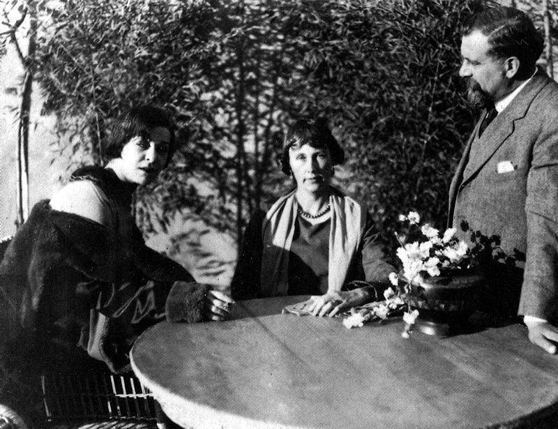 From left: Alla Nazimova; Edith Wherry, author of the Red Lantern, and director Albert Capellani
